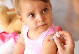 укол ребенку в руку