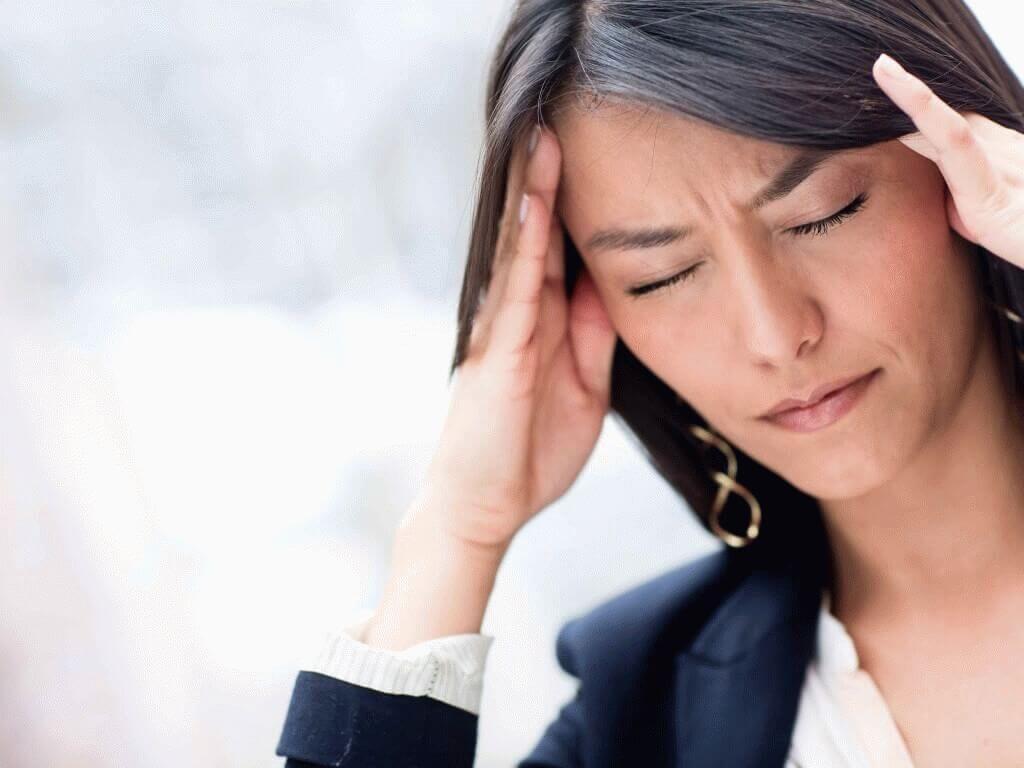 Боли в животе спине и голове сохнут губы