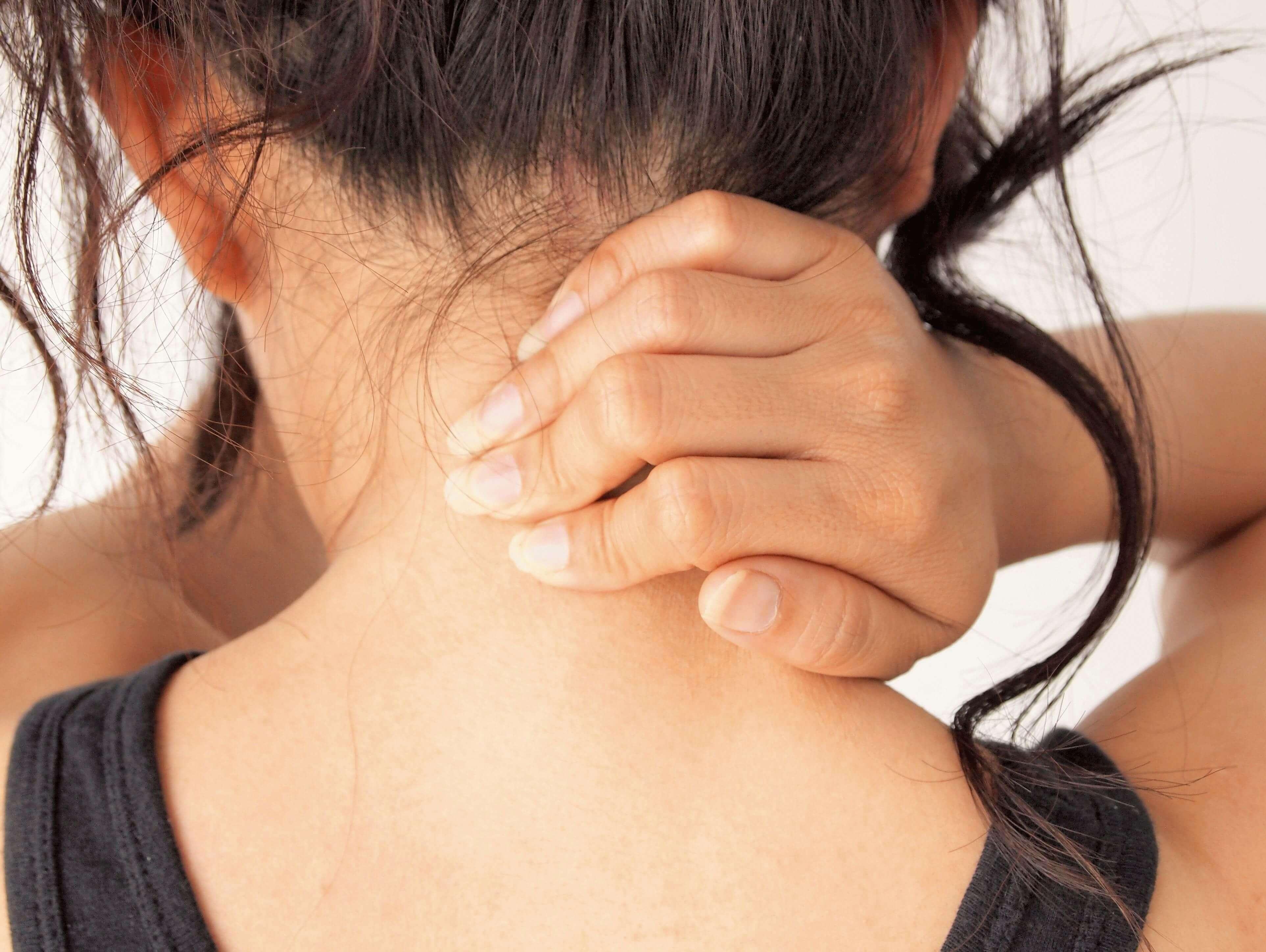шейная мигрень у женщины