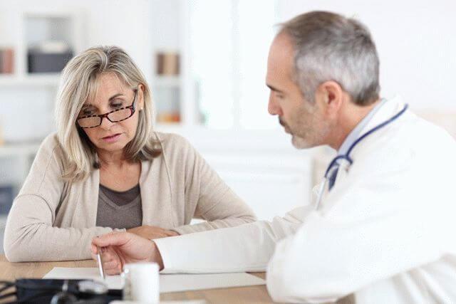 Картинки по запросу картинка женщина на приеме у врача