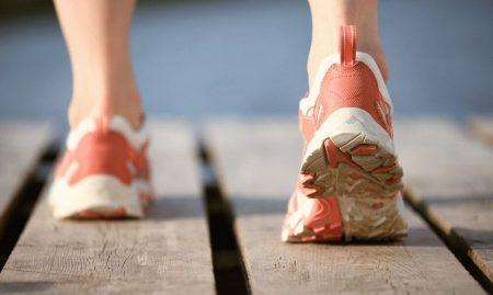 ноги в крассовках