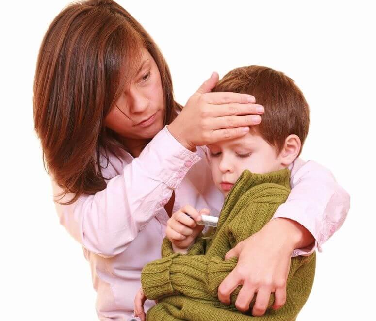Что вызывает головную боль и повышенную температуру у ребенка?