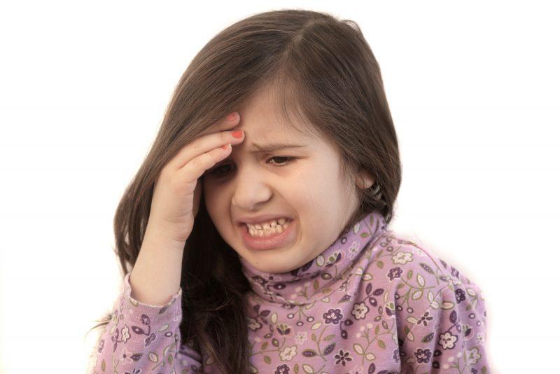 Мигрень у детей: причины, симптомы, лечение