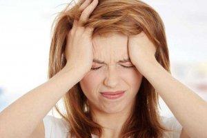 Причины и способы устранения головной боли в области лба и висков