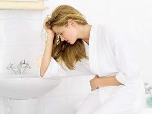 Болит голова, тошнит, болит живот - причины и лечениеБолит голова, тошнит, болит живот - причины и лечение