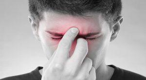 Болит переносица и голова: основные причины и тактика лечения