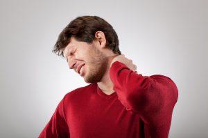 Нарушение мозгового кровообращения при шейном остеохондрозе: симптомы и лечение