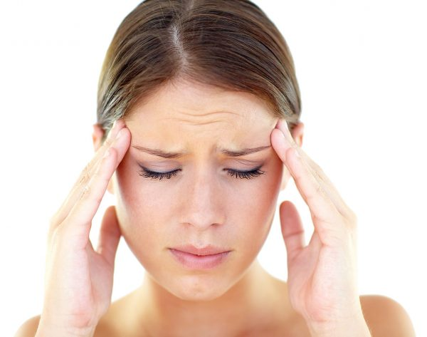 Почему возникает боль в висках и глазах
