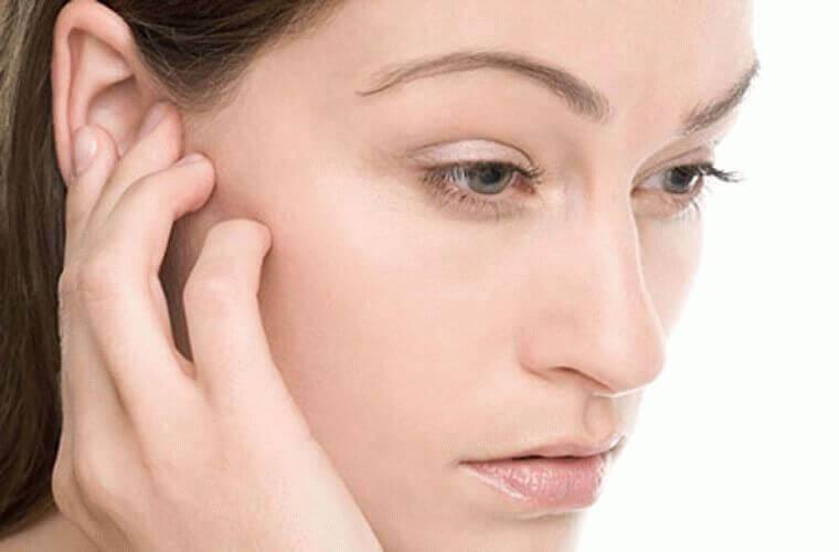 Болит голова за ухом слева или справа