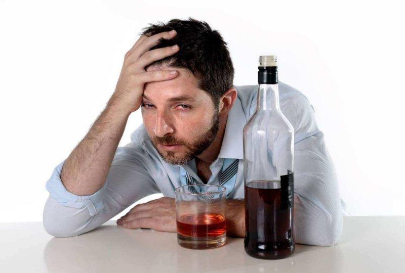От какого алкоголя голова не болит