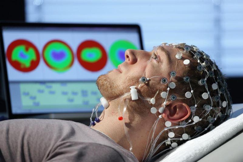 ЭЭГ головного мозга: что это такое, как проводится