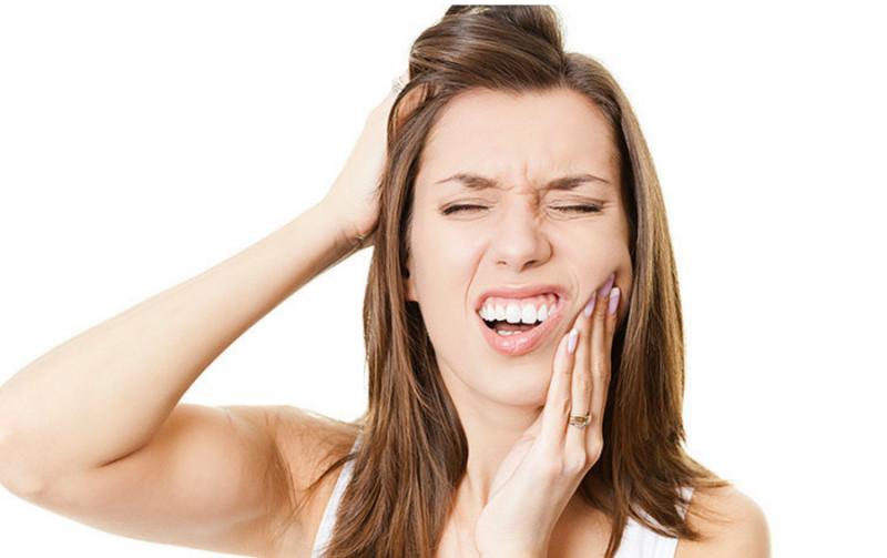 Боль затылке отдает в челюсть. Почему болит верхняя челюсть