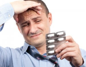 Сильно болит голова, таблетки не помогают - что делать и как бороться?