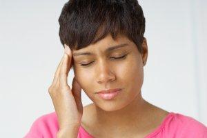 Правая сторона головы болит: как лечить симптом