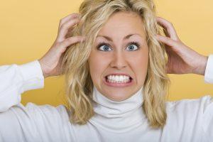 Может ли от нервов болеть голова: причины и особенности лечения