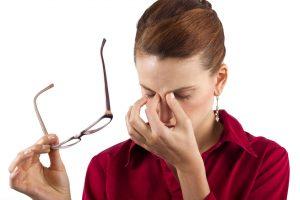 Причины головной боли и ряби в глазах, возникающих в один момент