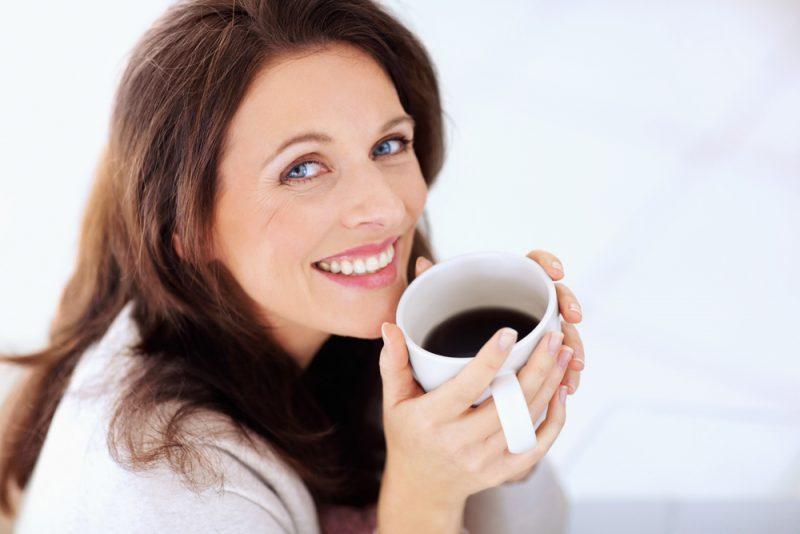 После кофе болит голова: причины и особенности лечения