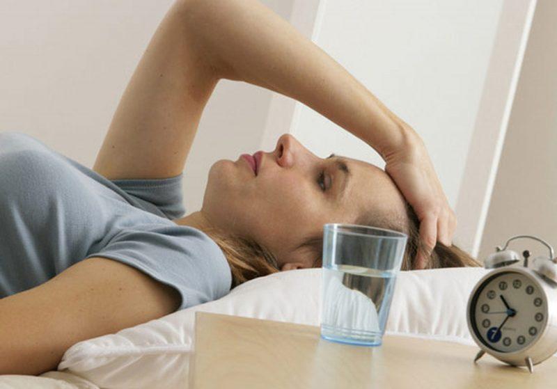 Болит голова по вечерам: причины и лечение патологии