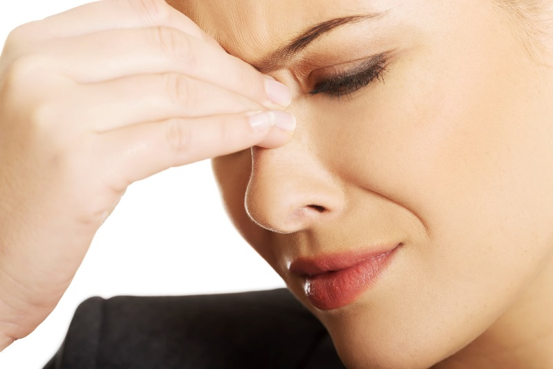 Болит лобная часть головы при насморке