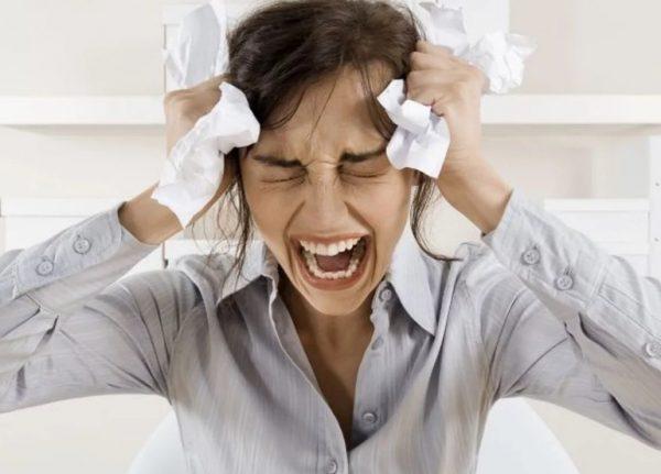Почему после плача болит голова