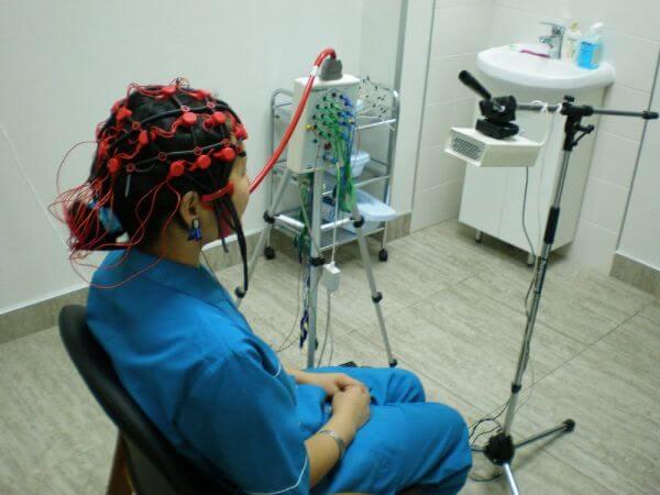 Какие таблетки помогают от шума в голове? Препараты и народные средства от шума в голове — Сам себе Доктор