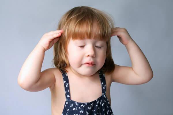 Болит голова после удара у ребенка
